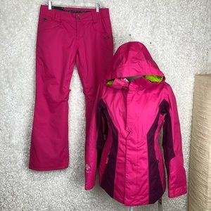 NWT Oakley Resilient Snowboarding Set | S